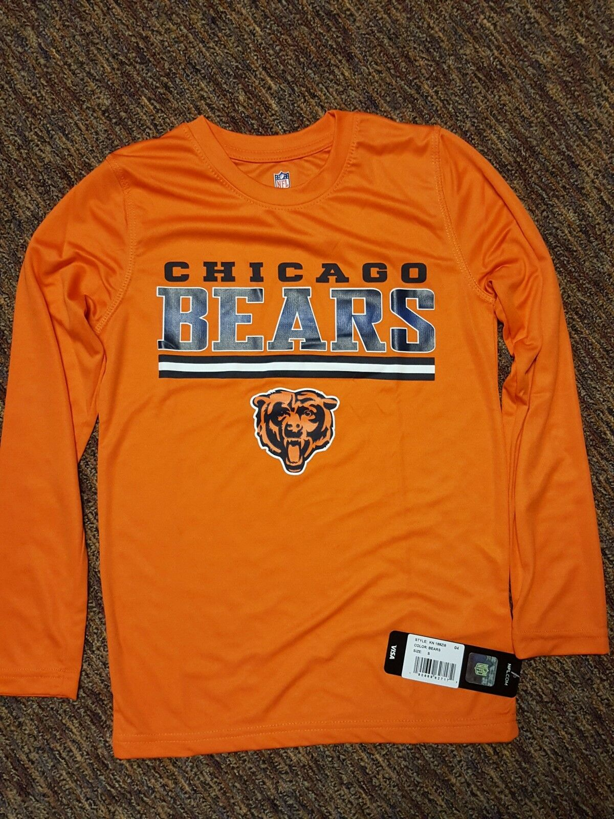 17ff3b69 NFL Chicago Bears Long Sleeve Performance T-shirt Orange Small 8 S Boys  Youth