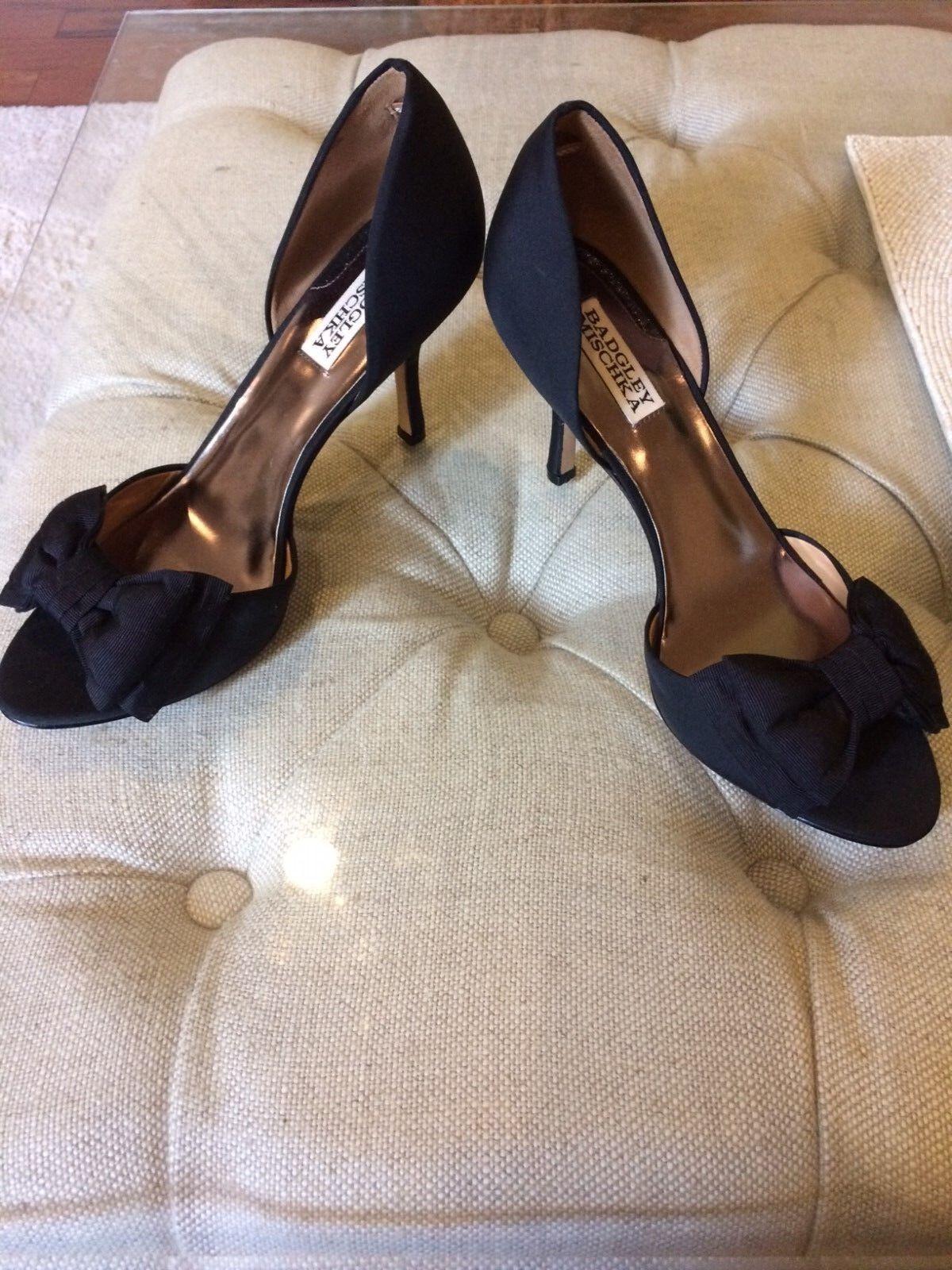 Badgley Mischka high heels satin scarpe with the Bow