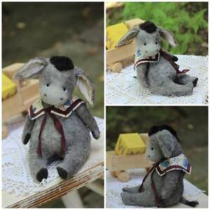 Sewing-Pattern-Vintage-Donkey-5-Inch-Sitting
