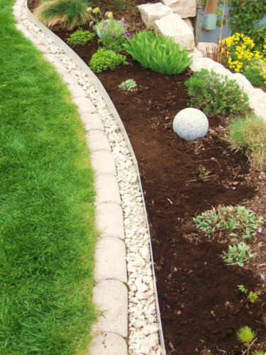 Lawn edge narrow 14 cm for straight or curved installation