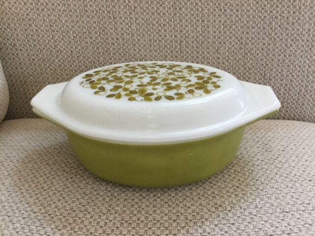 Vintage PYREX Casserole With Lid Green VERDE Olive GRAPE