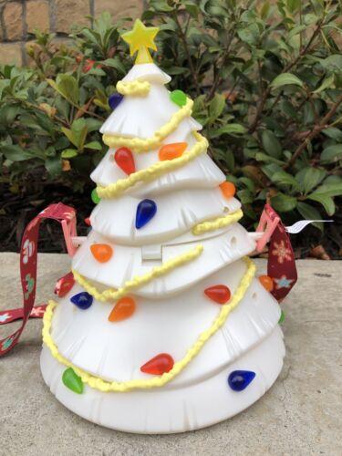 Disney Parks 2020 Mickey Minnie Mouse Christmas Tree Light Up Popcorn Bucket