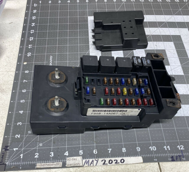 1997 1998 Ford Expedition Multifunction Module Fuse Box
