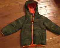 Boy's The Children's Place Camouflage Jacket W/ Hoodie Warm Size Xs 4