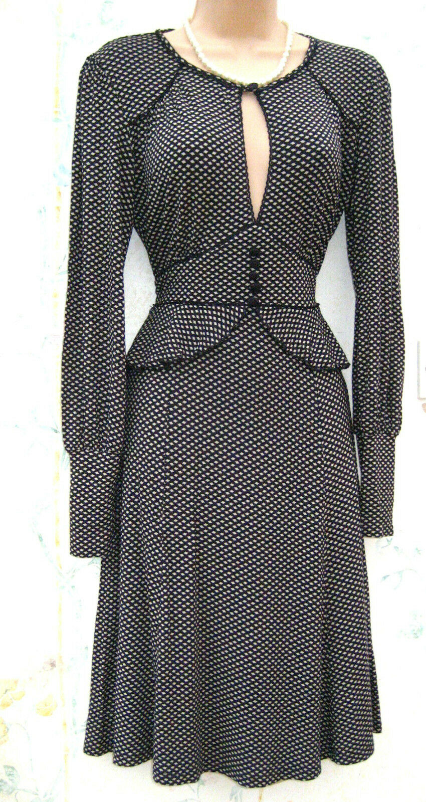 f3dd9942a764 SIZE 8 TEA DRESS 40s WW2 VINTAGE STYLE OFFICE PEPLUM LONG SLEEVES US 4. Antonio  Melani ...