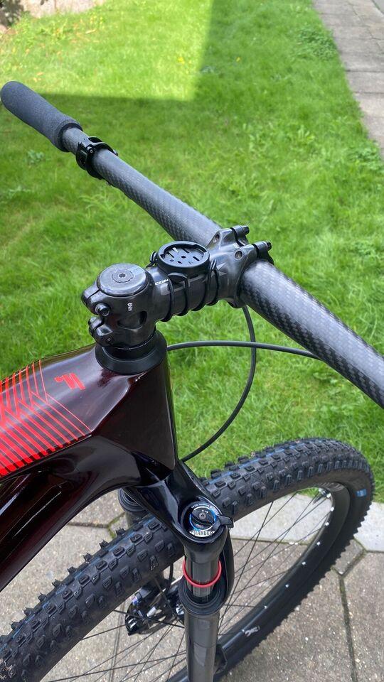 Styr, Darmio Carbon 740 mm