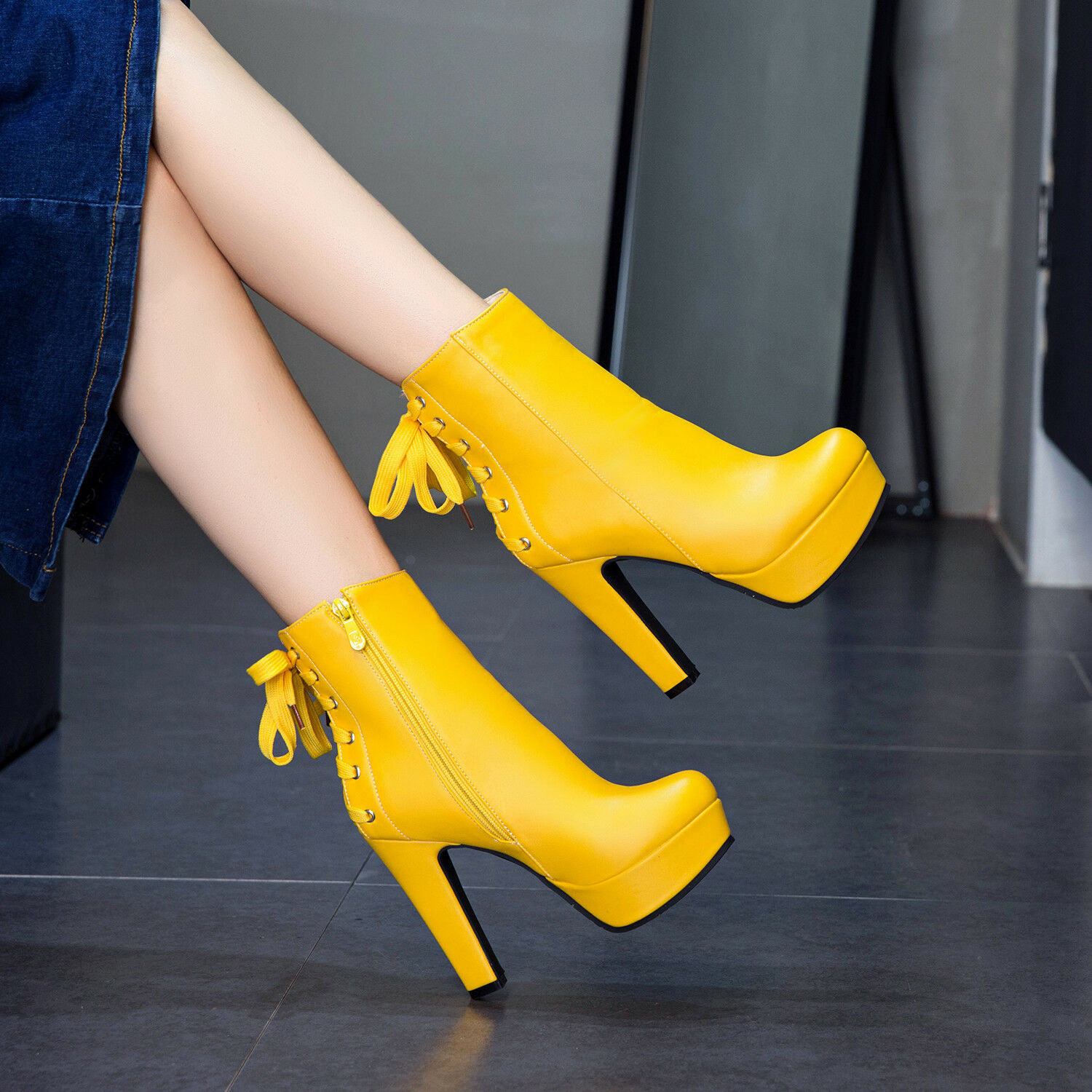 Women Ankle Boots Platform High Heels Lace-up Round Toe Leather Fashion shoes