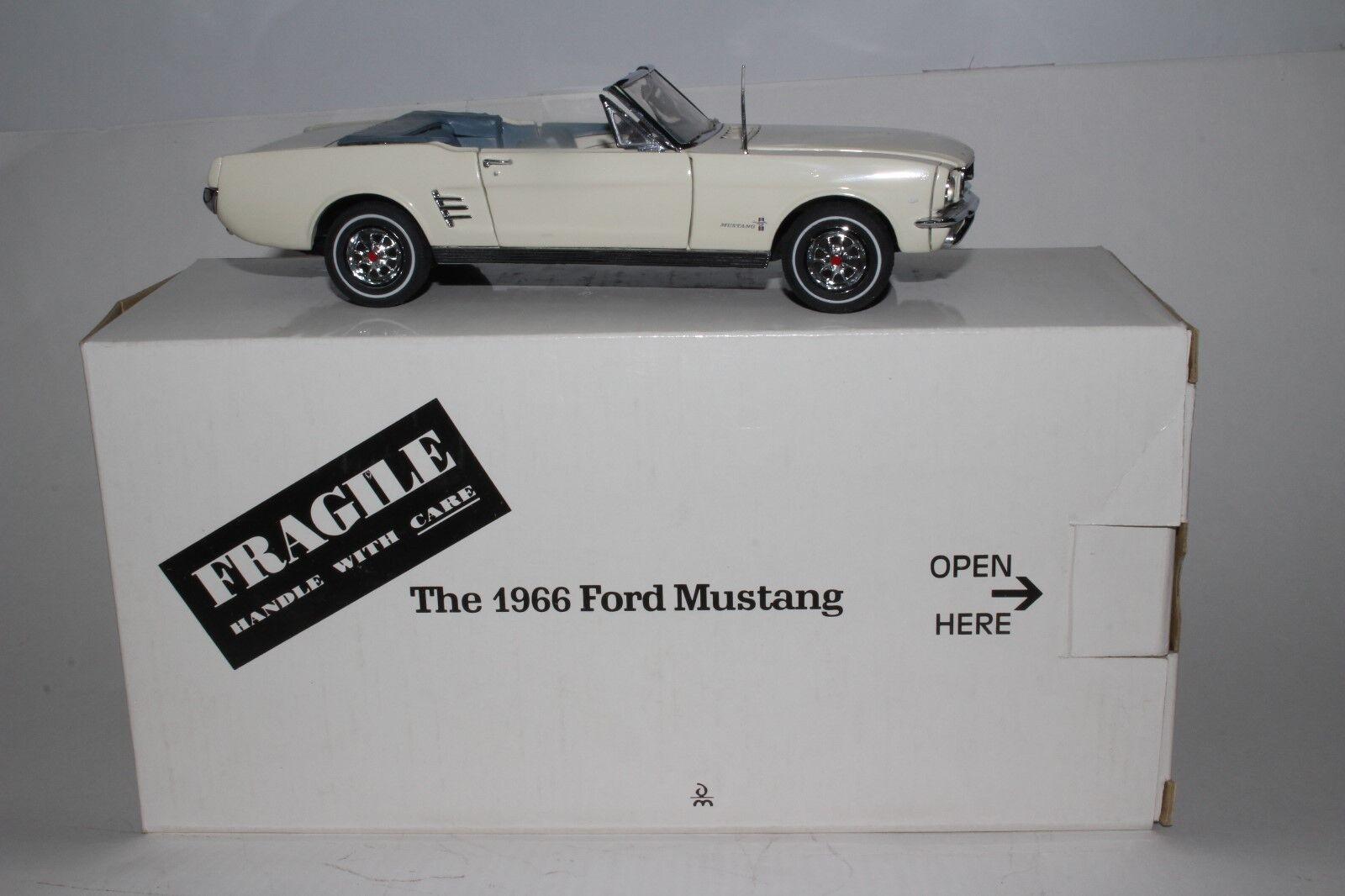 Danbury Mint 1966 Ford Mustang 1 24 Escala Diecast Modelo con Caja