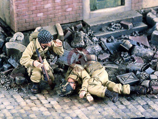 Verlinden 1 35  Para Down   US Airborne Paratroopers WWII (2 Figures) 2069