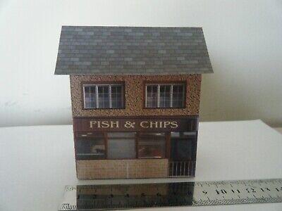 Umorismo Scratch Built Card Model Railway Building House Fish And Chips Shop 00 Gauge Ulteriori Sorprese