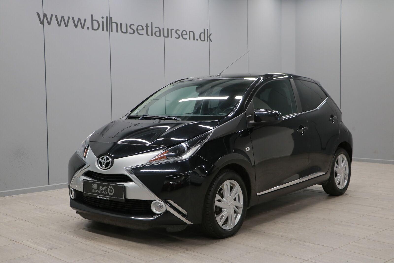 Toyota Aygo 1,0 VVT-i x-black 5d - 77.900 kr.