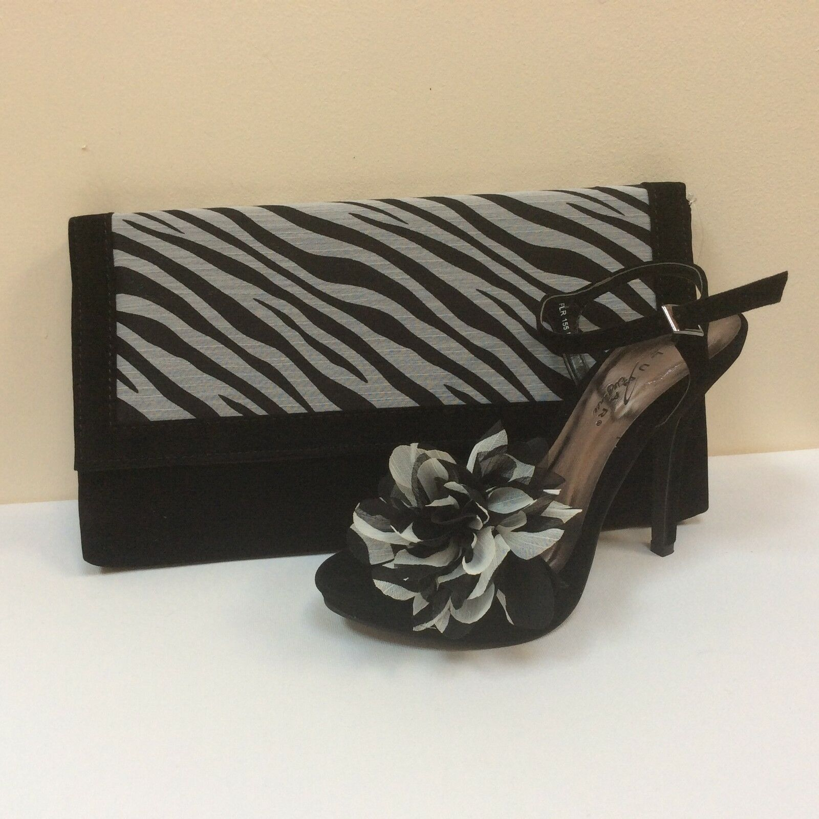 Lunar schwarz faux suede platform Sandale & matching bag, UK 3/EU 36, BNWB