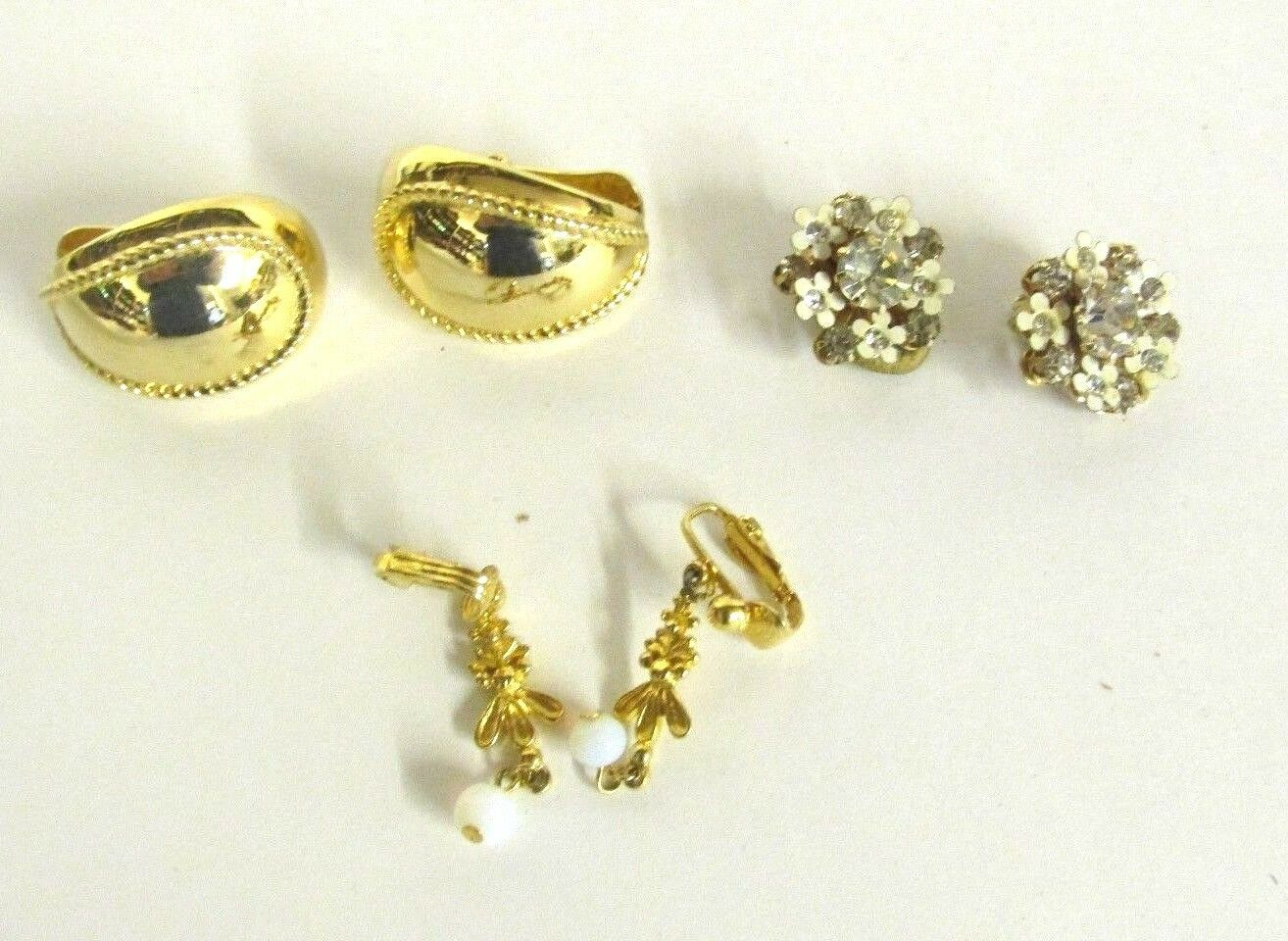 BEAUTIFUL VINTAGE CLIP ON EARRINGS gold TONE LOT OF 3 PAIRS