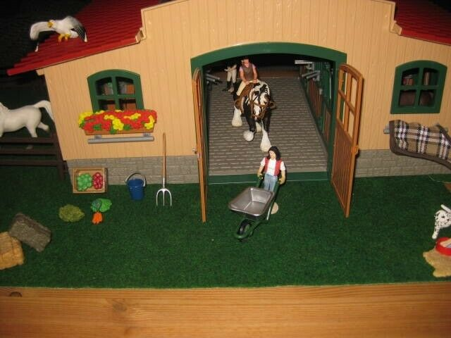 Dyr, Hestefarm med dyr mm, Schleich