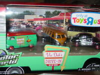 Greenlight Vee Dubs Drive In Tru Limited Set Vw Samba Bus & Bug -nice