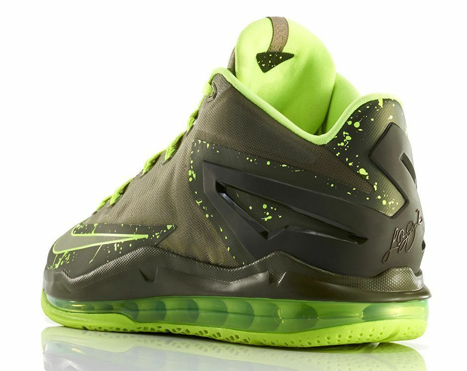 NIKE MAX LEBRON LEBRON LEBRON XI LOW (DUNKMAN).. SIZE YOUTH 5.5  or WOMEN'S 7.. MSRP   135 25d609
