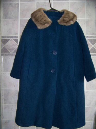 Vintage Ladies BLUE Wool Button Up Coat Fur Collar