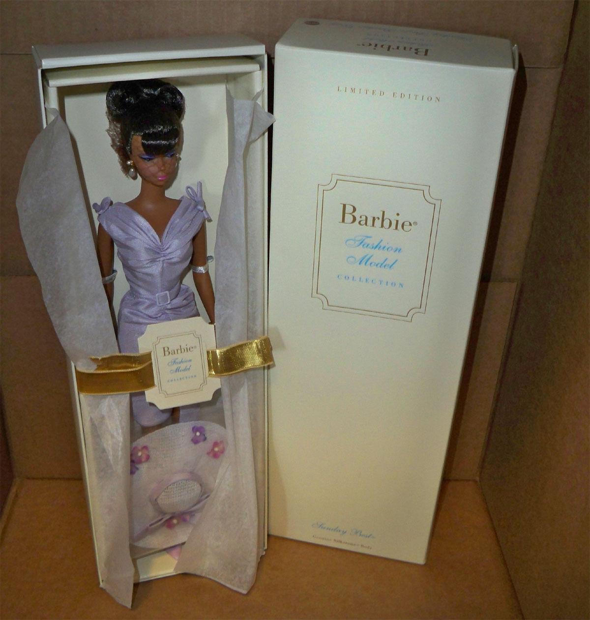 Domingo mejor muñeca Barbie nunca quitado de la Caja 2003 Silkstone AA en un vestido tubo púrpura shantung