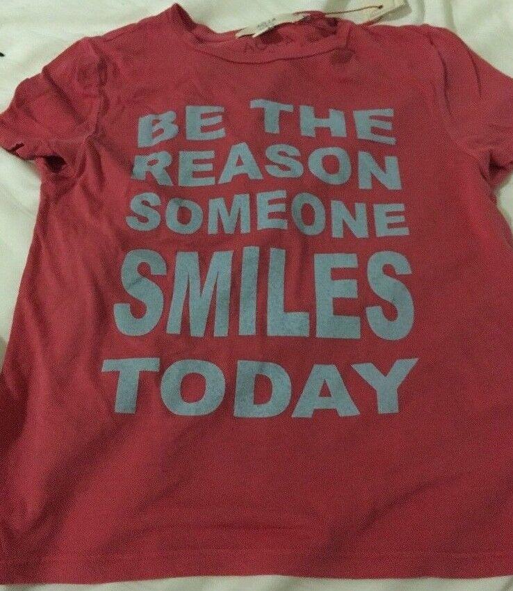 ALICE + OLIVIA Femme être le Reson quelqu 'un sourire aujourd'hui nouveau T Shirt Cerise Capri