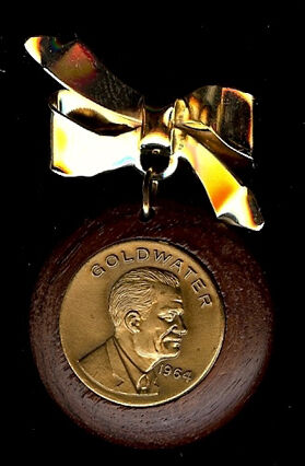 1964 BARRY GOLDWATER WOODEN /& METAL PICTURE BADGE