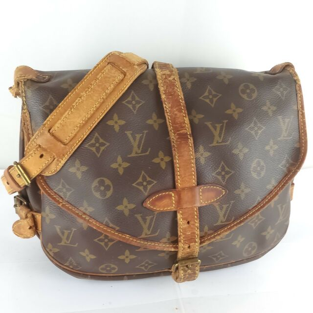 eaa6bedef56fc Auth LOUIS VUITTON SAUMUR 30 Crossbody Shoulder Bag Purse Monogram M42256  JUNK