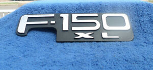 1997 1998 1999 2000 2001 2002 2003 2004 FORD F-150 XLT FENDER EMBLEM F65Z-16720A