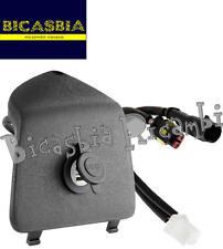 8447 - COPERCHIO PORTAOGGETTI SINISTRO CON PRESA USB VESPA GTS SUPER 125 300