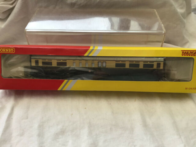 HORNBY R4523 GWR COMPOSITE COACH 6135 - BOXED
