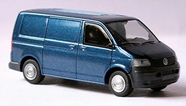 Rietze 21420 VW Volkswagen T5 2003-09 Red Metallic HO Scale 1:87