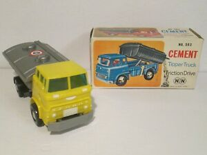 Vintage-NN-Toys-No-503-FORD-Cement-Tipper-Truck-with-Friction-Drive-Working