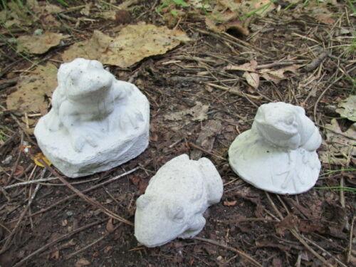 "2/""-4/"" Tall Cement Frog Lot of 3 Garden Art Concrete Statue Lawn Ornament"