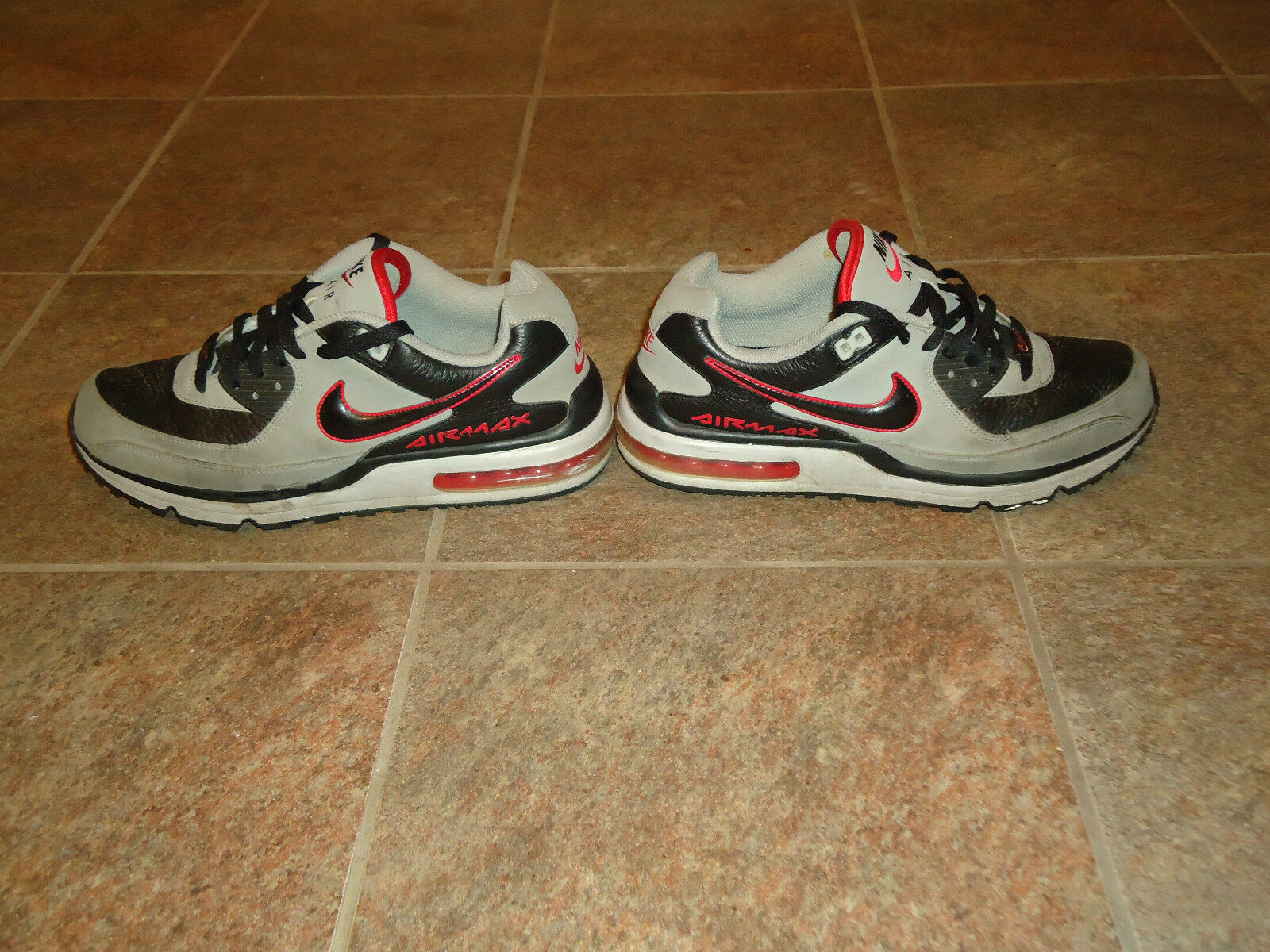NIKE AIR MAX WRIGHT SHOES SIZE 9.5 9 1/2 MODEL GRAY/RED/BLACK TIDE