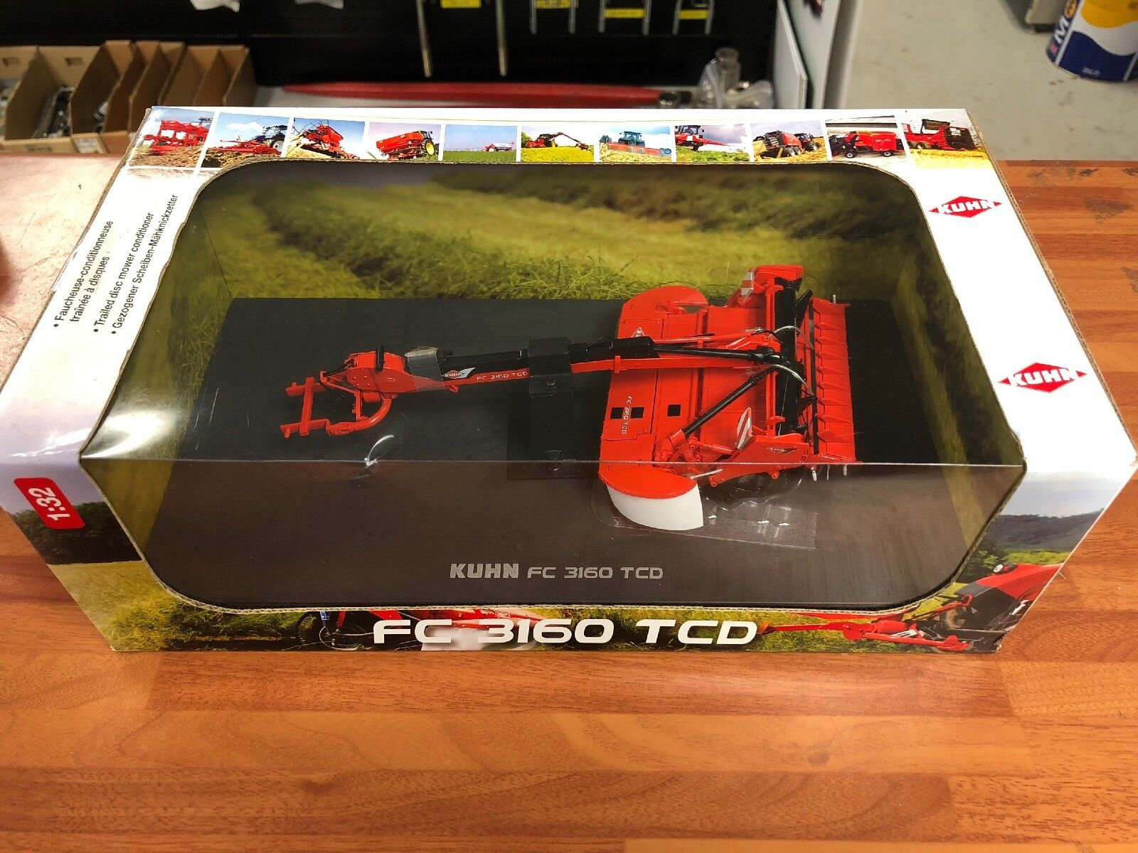 Kuhn FC3160 TCD Trailed Disc Mower Conditioner Universal Hobbies Scale 1 32 CG