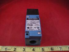 NEW IN BOX * MICROSWITCH LYT02C-2S PROXIMITY SWITCH