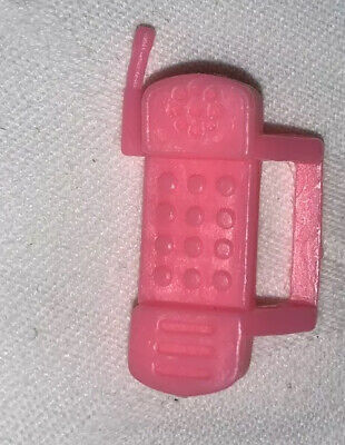 BARBIE DOLL ACCESSORY PINK SMART PHONE HAND CLIP SO BARBIE CAN HOLD IT