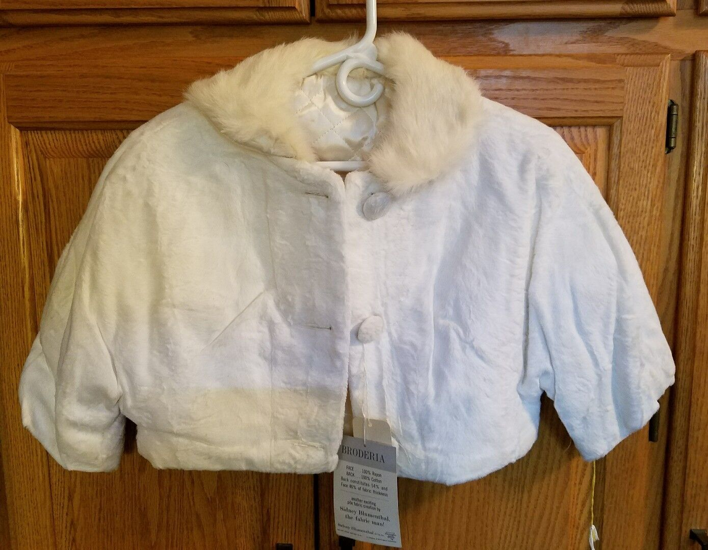 Vintage Sidney bluementhal Broderia 1 2 to 3 4 Sleeve Cream Ivory Faux Fur Short
