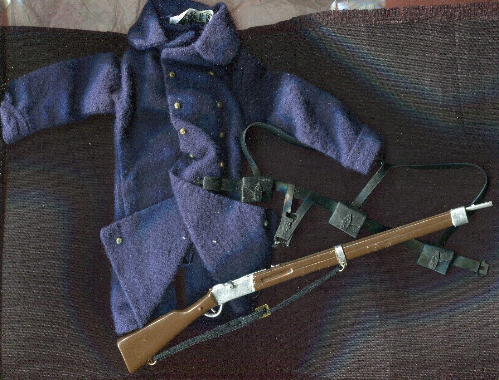 G. I. Joe  azioneuomo French Foreign Legion coat, rifle, equipessit belt