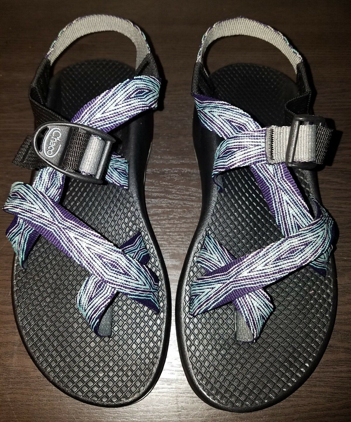 EUC Damenschuhe CHACO purple and pink toe in  sport Sandale. 7M