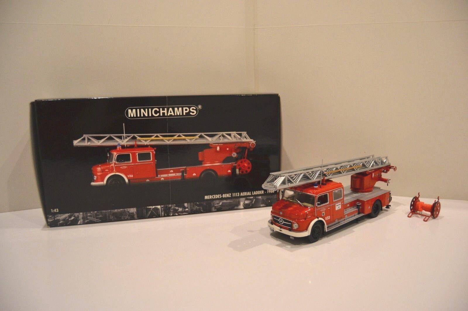 Minichamps 1/43. Mercedes-Benz L1113 1966 aerial ladder DL30. Réf. 439 031070.