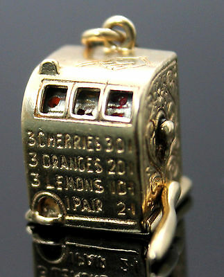 RARE !! VINTAGE 3D DETAILED CASINO SLOT MACHINE MECHANICAL 14K YELLOW GOLD CHARM