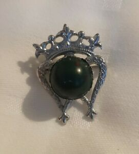 Small-Scottish-Thistle-Crown-heart-silvertone-Brooch-Celtic-Clan-Pin-Kilt-Lapel