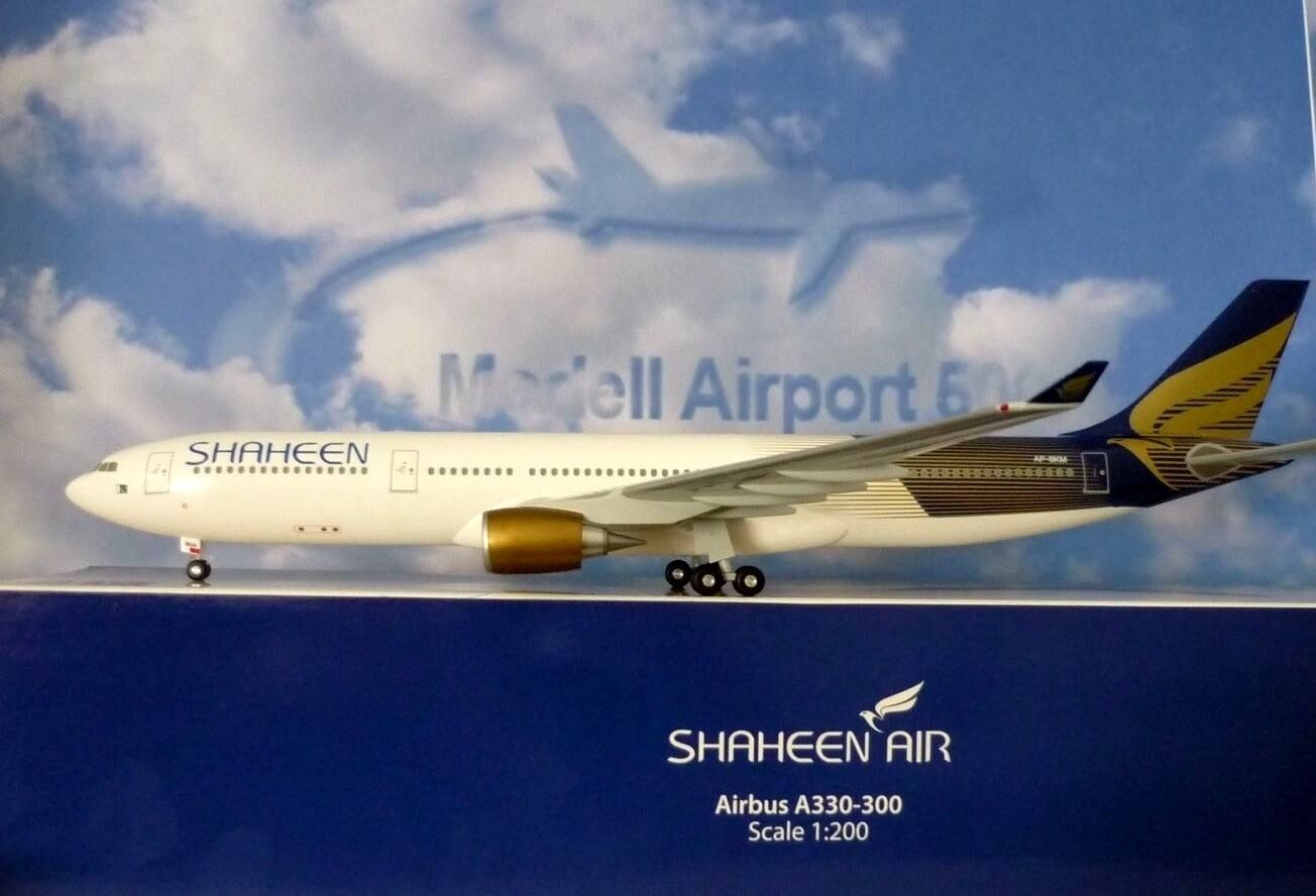 Hogan Wings 1 200 Airbus A330-300 Shaheen Air Ap-Bkm + Herpa Wings Catalogue