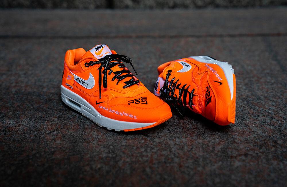 AUTHENTIC Nike JDI Air Max 1 SE JDI Nike Total Orange blanc Noir AO1021 800 Men size Chaussures de sport pour hommes et femmes 9930a2