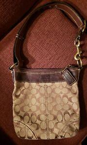 Authentic-Coach-signature-canvas-leather-shoulder-bag-NoE065-10402