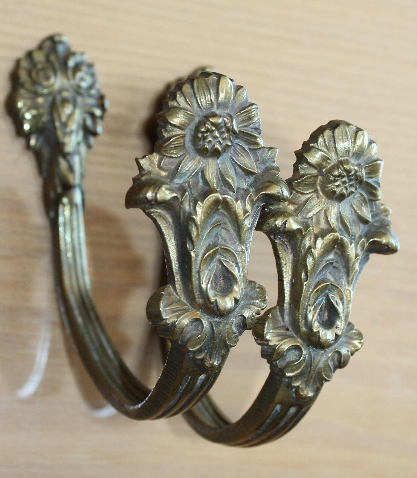 Paire de petites embrase en bronze pour rideau