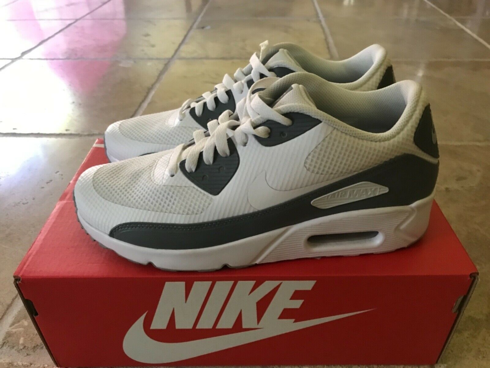 Nike air max 90 essesntial white white cool grey size 8