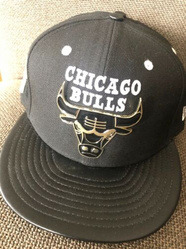 NWT Adult New Era NBA Chicago Bulls Metal Badge Black Gold SNAPBACK Hat $34