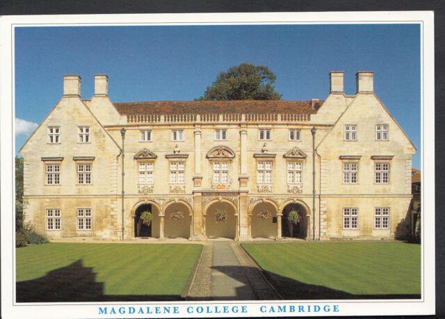 Cambridgeshire Postcard - The Pepys Library Magdalene College Cambridge  B2959