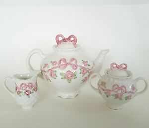 Lynn-Hollyn-Porta-Pink-Flowers-Ribbon-Tea-Pot-Creamer-Sugar-Made-in-Portugal