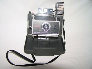Polaroid-Automatic-Land-Camera-440-With-Focuse-Flash-Attachment-Vintage